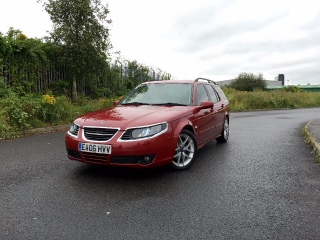 Saab 9-5 Estate - Dame Edna Chilli Red_2