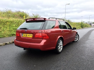 Saab 9-5 Estate - Dame Edna Chilli Red_3