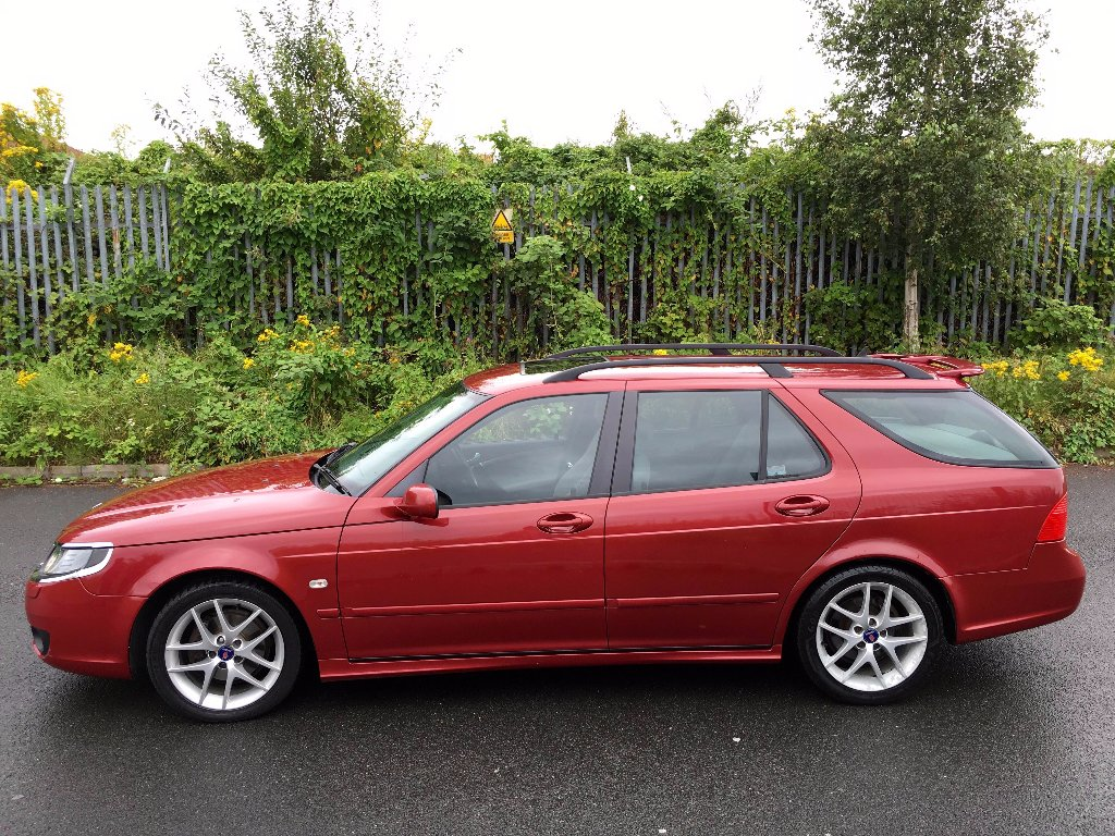 Saab 9-5 Estate - Dame Edna Chilli Red_1